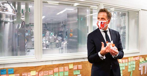In tijden van corona heeft Sanquin Plasma Products extra uitdagingen om medicijnen met antistoffen snel en tijdig te leveren